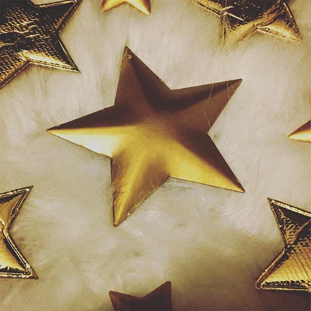 2 Sterne gold 9 x 9 cm